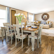 TruMH Steal II / Wonder Mobile Home Dining Area
