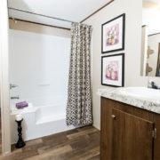 TRUMH SATISFACTION Mobile Home Master Bathroom