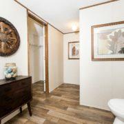 Liston / Marvel - TRU28564A-Master-Bathroom-2