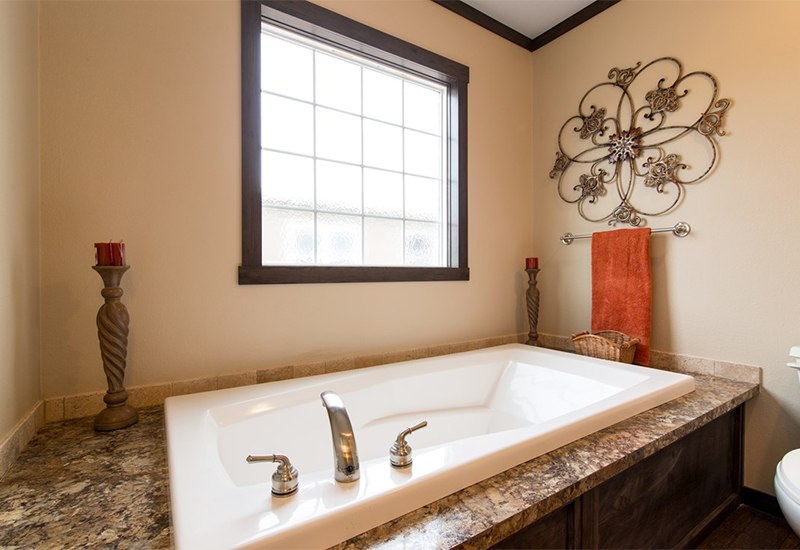 Manufactured-THE-HOGAN-32DEV28443AH-Master-Bathroom-20161215-0958027852004