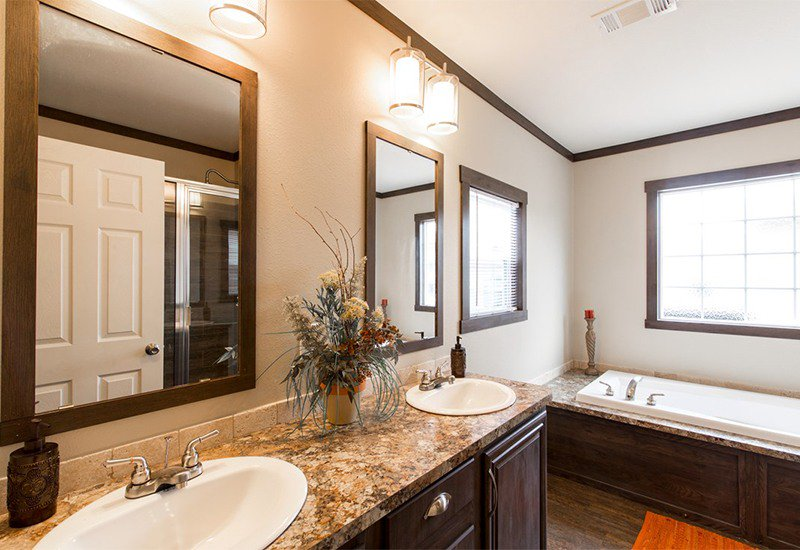 Manufactured-THE-HOGAN-32DEV28443AH-Master-Bathroom-20161215-0958176843468