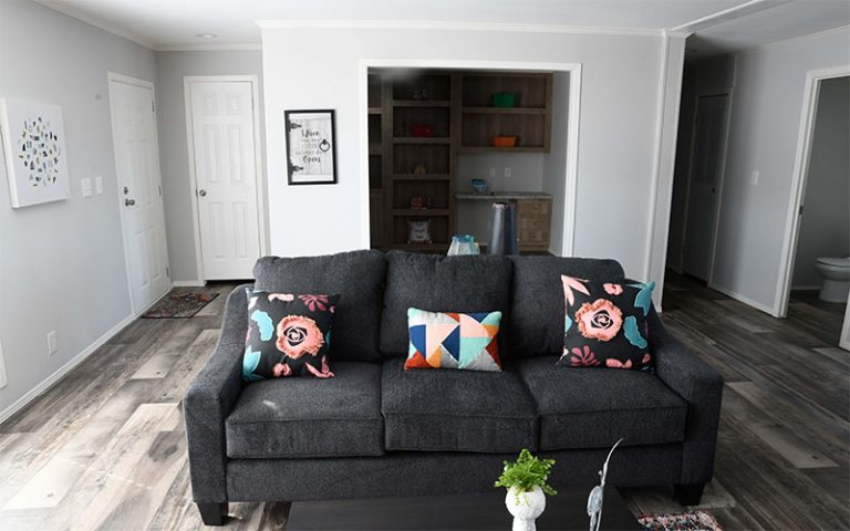 Meridian Big Country – 3232 - Living Room 4
