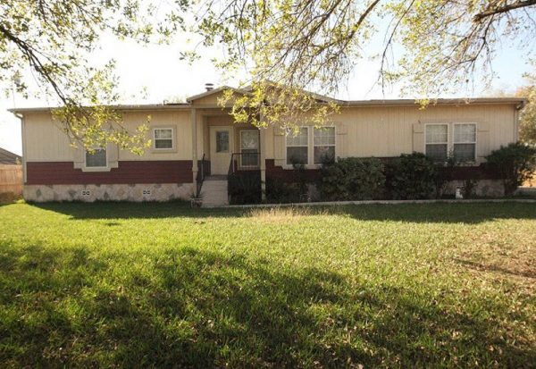 Used Mobile Home + Land In Pleasanton, Texas